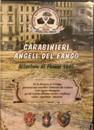 Carabinieri angeli del fango